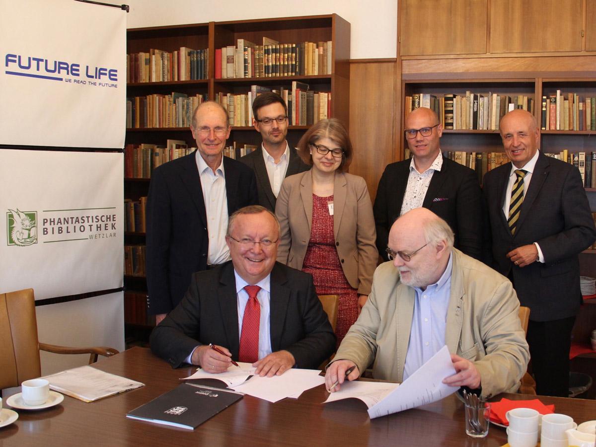Dhbw Mannheim Eine Investition In Die Zukunft Dhbw Mannheim Und Phantastische Bibliothek Wetzlar Kooperieren